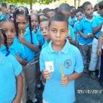 Dominican Republic Schools Children Get Pens Pencils Tracts (2)